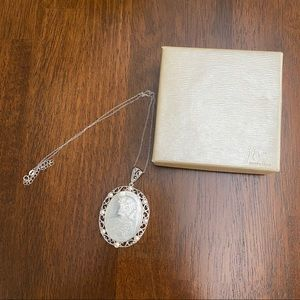 NIB jtv White Mother of Pearl Cameo Necklace